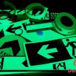 Placas fotoluminescentes de sinalização